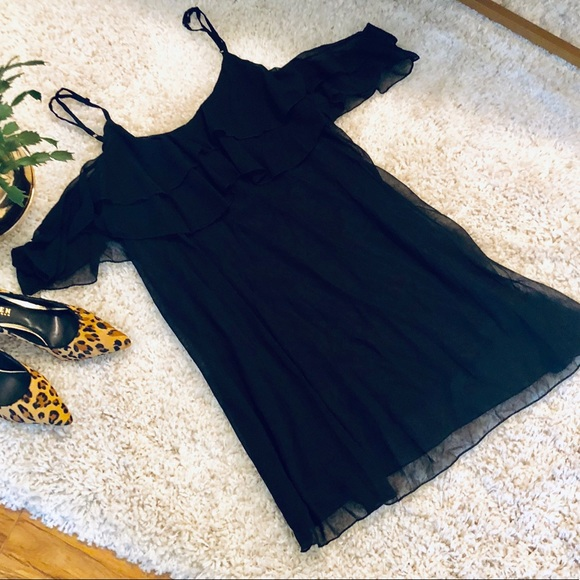 Dresses & Skirts - Black party dress off the shoulder with straps XL